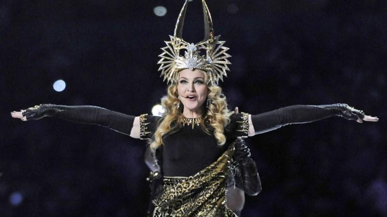 mantona-sti-eurovision-posa-ekatomuria-zitaei-gia-75-lepta
