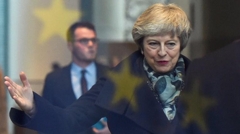 brexit-me-nees-protaseis-stis-brukselles-i-tmei-tin-pempti