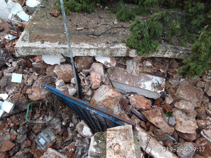 Πτώση βράχου 25 τόνων σε σπίτι στα Σφακιά - εικόνα 2