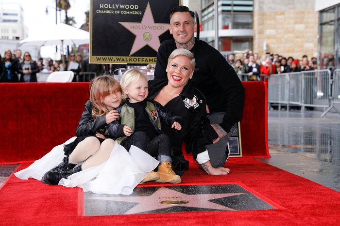Στο Hollywood Walk of Fame με την οικογένειά της