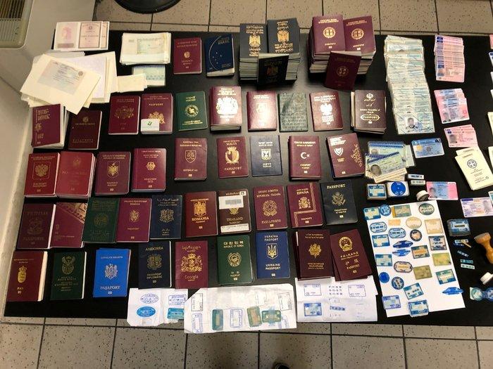 Μπίζνα με κέρδη εκατοντάδες χιλιάδες € από εμπορία ταξιδιωτικών εγγράφων