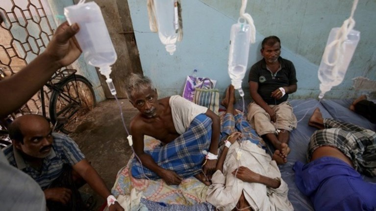 india-perissoteroi-apo-100-anthrwpoi-pethanan-apo-notheumeno-alkool