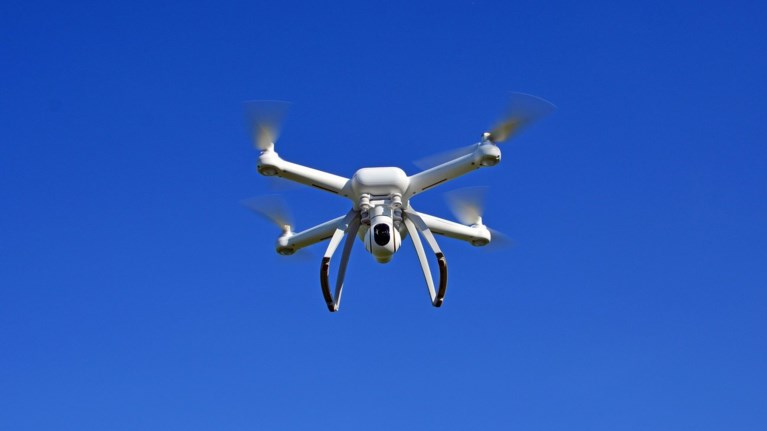 bretania-anakoinwse-oti-tha-agorasei-smini-apo-drones