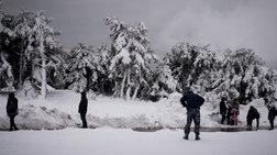 Διακόπηκε η κυκλοφορία στην Πάρνηθα λόγω χιονόπτωσης