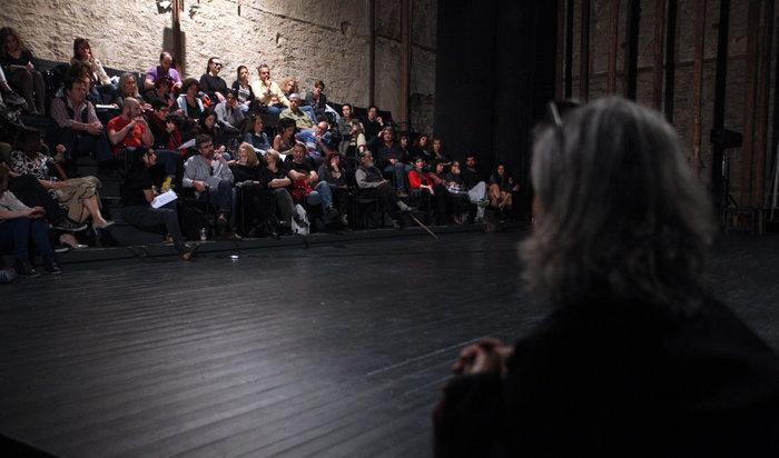 """Επιστολή στον Αλέξη Τσίπρα για να σωθεί το θέατρο """"Σφενδόνη"""""""