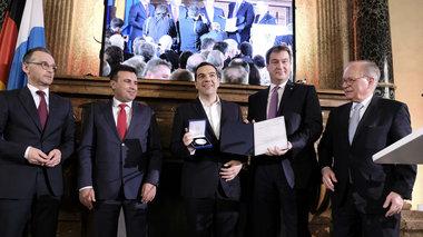 i-brabeusi-tsipra--zaef-me-to-brabeio-ewald-von-kleist