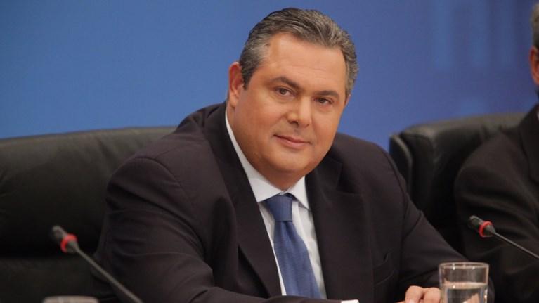 aixmiro-sxolio-kammenou-gia-to-brabeio-tsipra-sto-monaxo