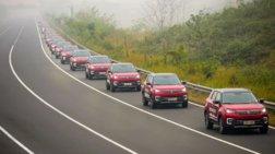 Ρεκόρ Γκίνες από κονβόι 55 αυτοκινήτων χωρίς οδηγό