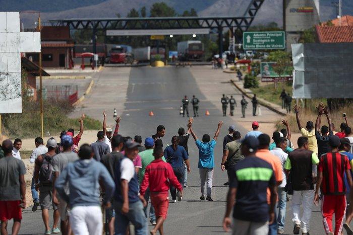 Βενεζουέλα: Δύο νεκροί και δεκαπέντε τραυματίες στα σύνορα με Βραζιλία
