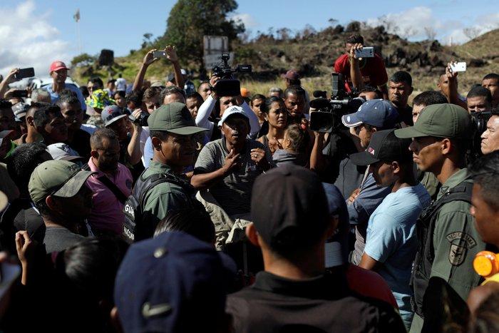 Βενεζουέλα: Δύο νεκροί και δεκαπέντε τραυματίες στα σύνορα με Βραζιλία - εικόνα 2
