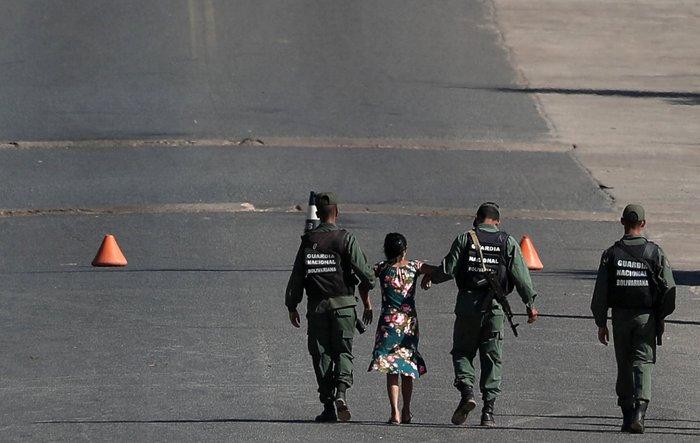 Βενεζουέλα: Δύο νεκροί και δεκαπέντε τραυματίες στα σύνορα με Βραζιλία - εικόνα 5