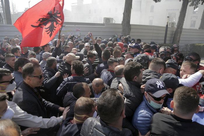 Βαλκάνια: Θέμα πολέμου και ειρήνης η προοπτική ένταξης στην ΕΕ - εικόνα 2