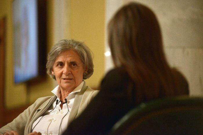 Η Ασπασία Λούβη συνομιλεί με την Κατερίνα Λυμπεροπούλου