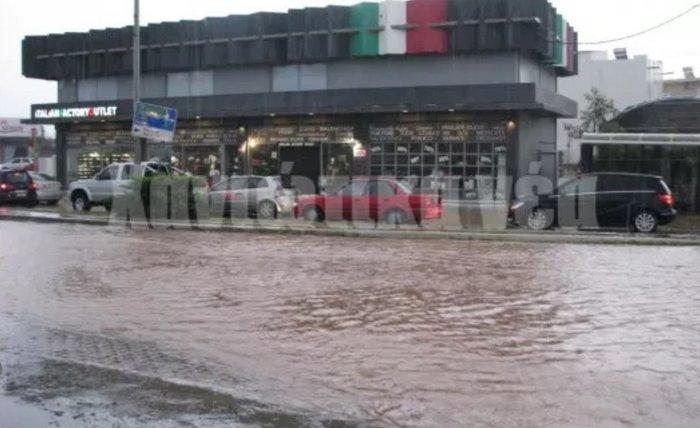 Πλημμύρισαν σπίτια και δρόμοι στα Χανιά (φωτό) - εικόνα 2
