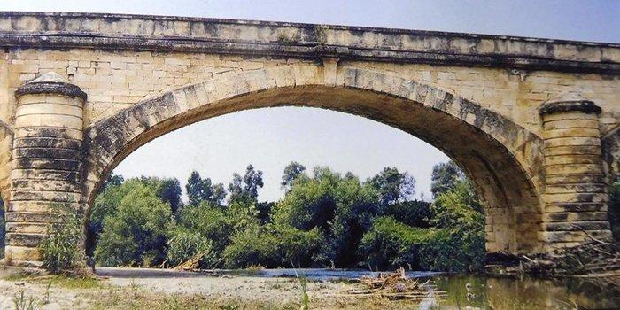 Η ιστορική γέφυρα του Κερίτη που γκρεμίστηκε στην Κρήτη (φωτό)
