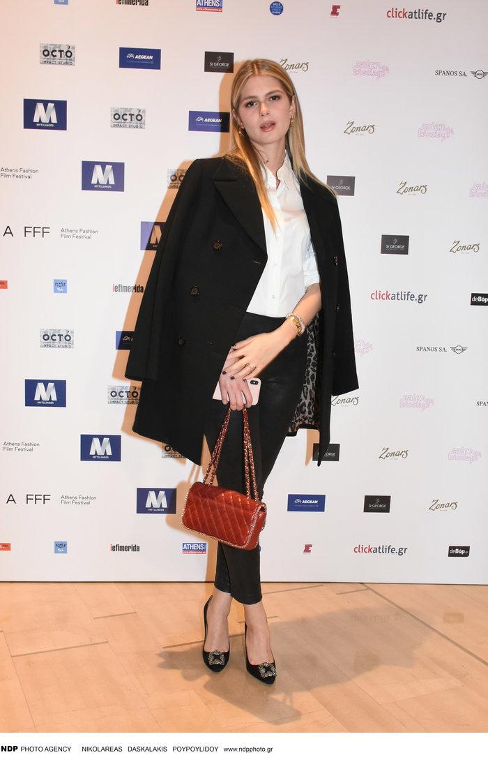 Αμαλία Κωστοπούλου: Τι την ενοχλεί στους γονείς της & θέλει να ζήσει έξω - εικόνα 2