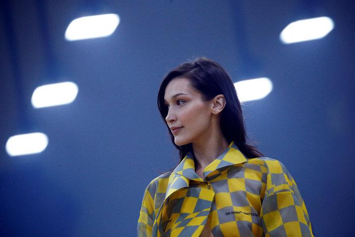 H Κάρλι Κλος, οι αδελφές Χαντίντ και το κομψό streetwear του Αμπλό