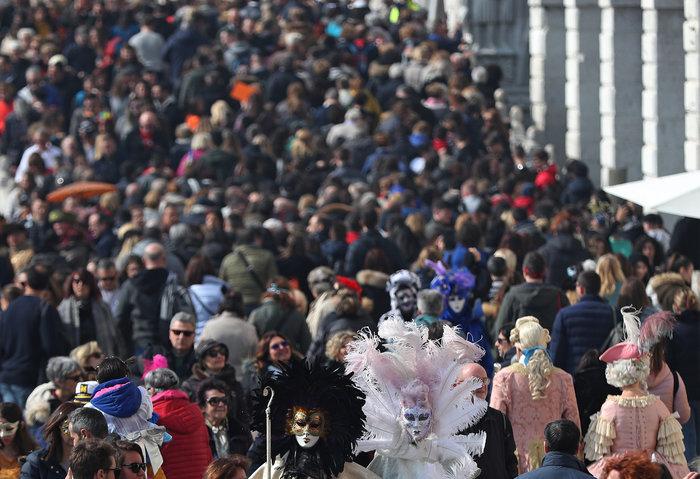 Βενετία: Απίθανες εικόνες από το πιο ατμοσφαιρικό καρναβάλι στον κόσμο