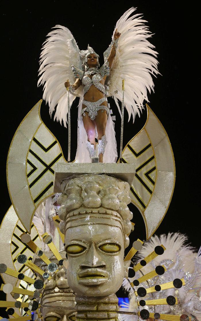 Η καρδιά του Καρναβαλιού «χτυπά» στο Ρίο ντε Τζανέιρο - εικόνα 2