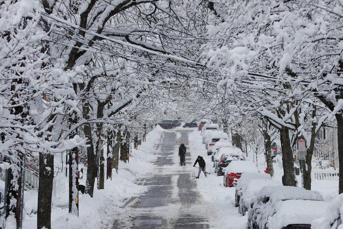 H Νέα Υόρκη αντιμέτωπη με τη σφοδρότερη χιονοθύελλα - Εικόνες - εικόνα 8
