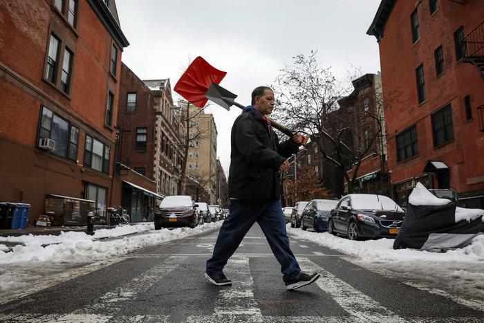 H Νέα Υόρκη αντιμέτωπη με τη σφοδρότερη χιονοθύελλα - Εικόνες - εικόνα 9