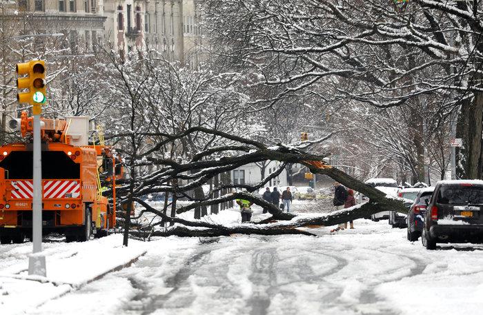 H Νέα Υόρκη αντιμέτωπη με τη σφοδρότερη χιονοθύελλα - Εικόνες - εικόνα 3