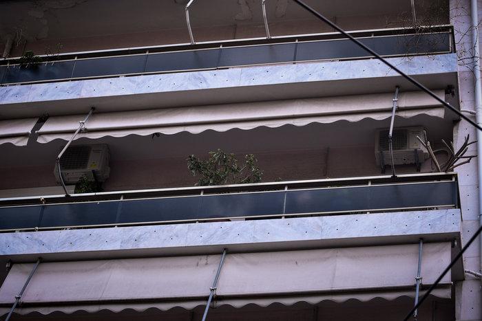 Μητέρα δύο παιδιών έπεσε από μπαλκόνι στο Παγκράτι