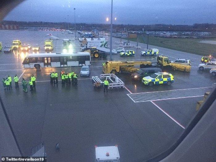 """Αγγλία: """"Μυστηριώδης ασθένεια"""" έβαλε100 επιβάτες σε καραντίνα (φωτό) - εικόνα 2"""