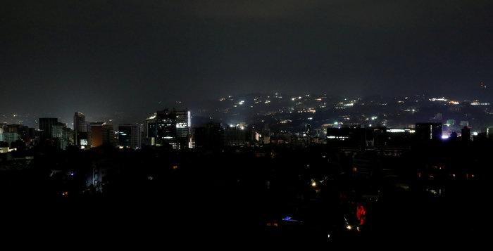 Μπλακ άουτ στο Καράκας: Σαμποτάζ «βλέπει» ο Μαδούρο [Εικόνες] - εικόνα 5