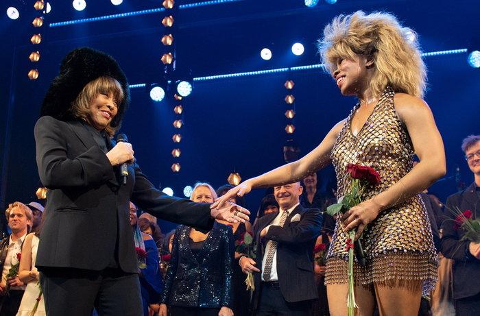 Tina: Αγνώριστη,ανέβηκε στη σκηνή & τραγούδησε στο μιούζικαλ της ζωής της - εικόνα 3