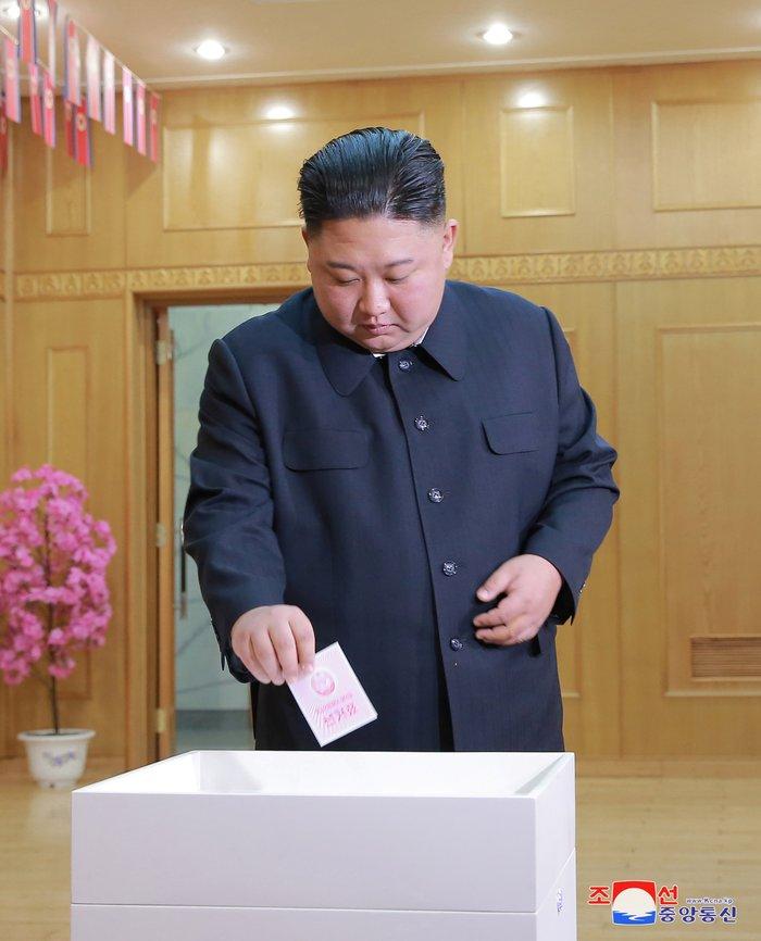 Βόρεια Κορεά: Μόλις το 0,01%... δεν ψήφισε στις εκλογές