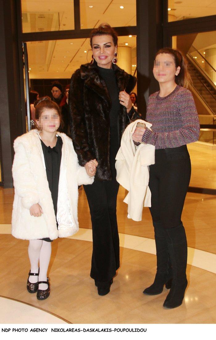 Η Νίνα Λοτσάρη αποκάλυψε την ηλικία της: «Δύσκολο να κάνεις παιδί στα...»
