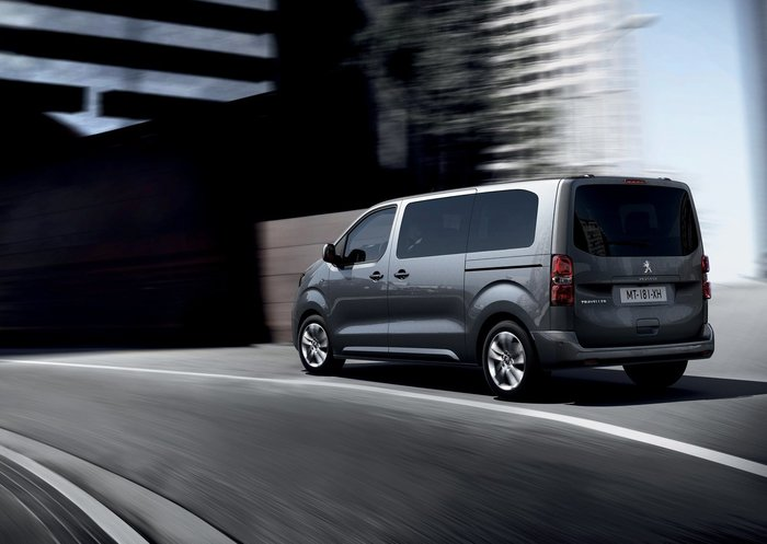 Το Peugeot Traveller LUX είναι ένα Minibus για VIP μετακινήσεις - εικόνα 4