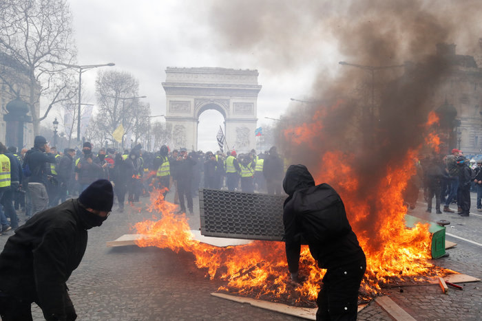 Nέα επεισόδια στο Παρίσι με αστυνομία και «κίτρινα γιλέκα» - εικόνα 10