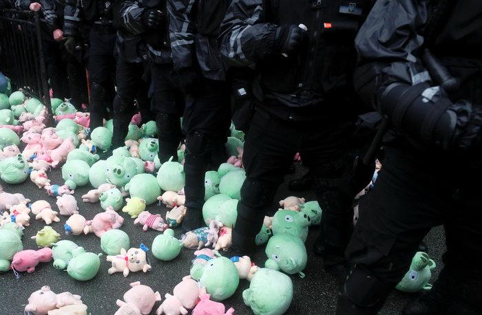 Nέα επεισόδια στο Παρίσι με αστυνομία και «κίτρινα γιλέκα» - εικόνα 13