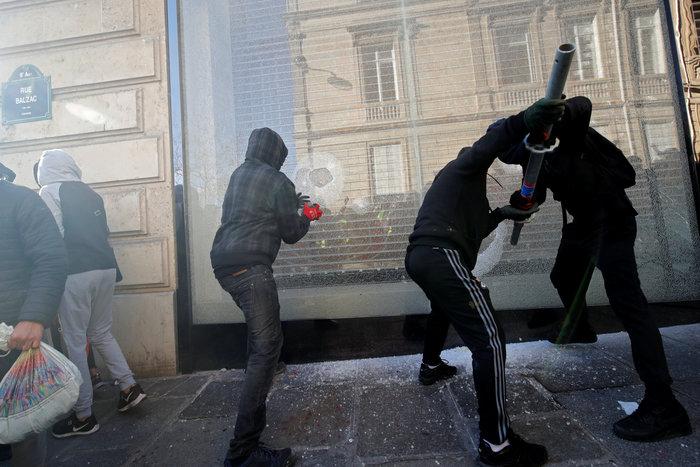Nέα επεισόδια στο Παρίσι με αστυνομία και «κίτρινα γιλέκα»
