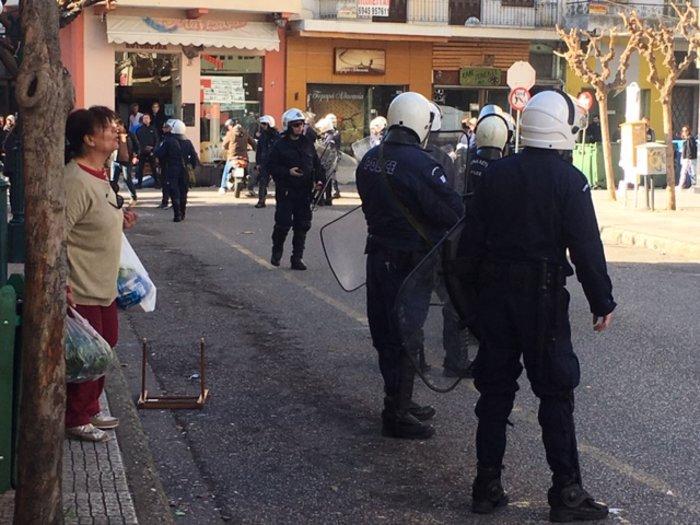 Σοβαρά επεισόδια μεταξύ οπαδών στο Αγρίνιο (φωτό & βίντεο) - εικόνα 3