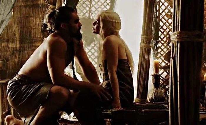 Game of Thrones: Αμετανόητη για τις γυμνές σκηνές - viral η Εμίλια Κλαρκ