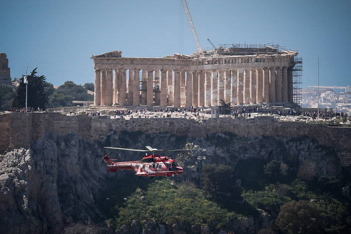 Πτήση μαχητικών πάνω από την Αθήνα ενόψει της παρέλασης της 25ης Μαρτίου