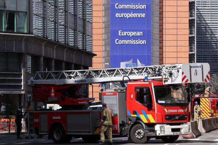 Aπειλή για βόμβα στις Βρυξέλλες κοντά στην Κομισιόν - εικόνα 2