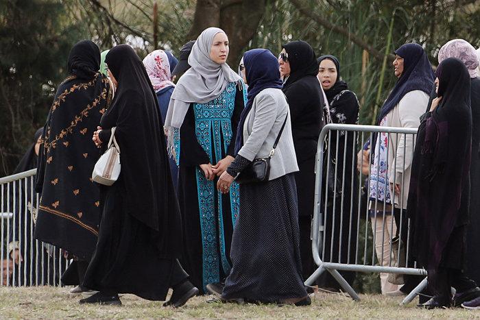 Έγιναν οι δύο πρώτες κηδείες θυμάτων του μακελειού στη Ν. Ζηλανδία (φωτό) - εικόνα 2