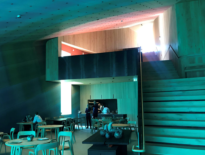 Δείπνο στο Under, το πρώτο υποθαλάσσιο εστιατόριο της Ευρώπης - εικόνα 3
