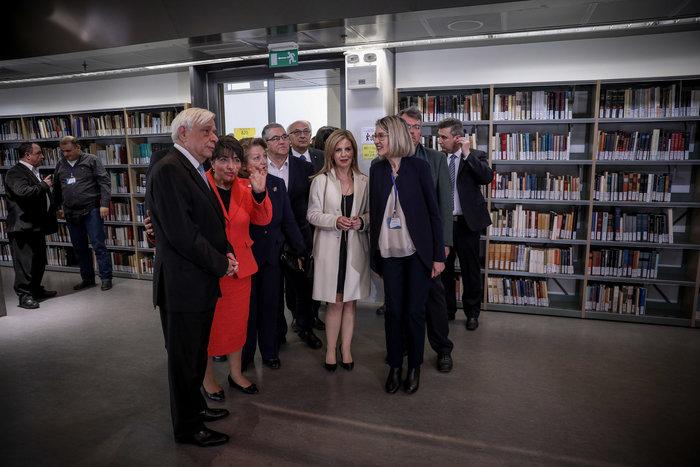 Ο Πρ. Παυλόπουλος εγκαινίασε τη βιβλιοθήκη της Φιλοσοφικής Σχολής του ΕΚΠΑ - εικόνα 10