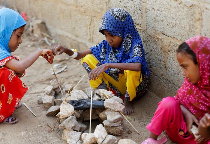 Εικόνες γροθιά στο στομάχι: Ετσι πεθαίνουν τα παιδιά της Υεμένης... - εικόνα 6