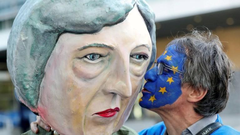 pazaria-gia-brexit-paratasi-ws-tis-22-maiou-sumfwnisan-oi-27