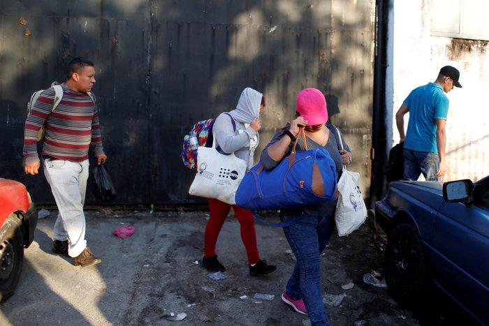 Σπρέι πιπεριού κατά των μεταναστών στην Τιχουάνα - εικόνα 5