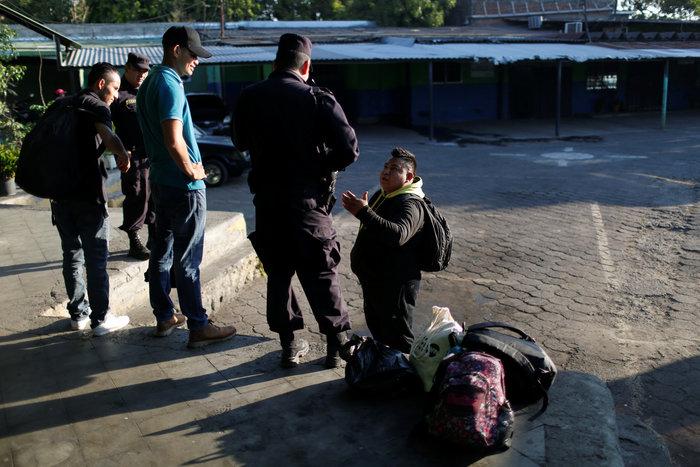 Σπρέι πιπεριού κατά των μεταναστών στην Τιχουάνα - εικόνα 6