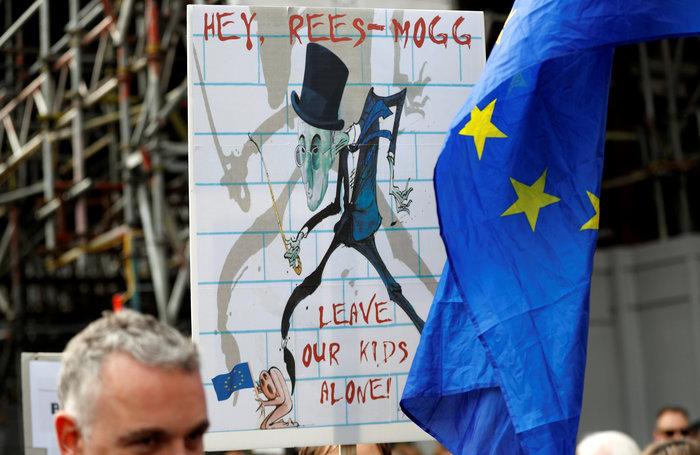 Λονδίνο:Εκατοντάδες χιλιάδες στο δρόμο ζητούν νέο δημοψήφισμα για το Brexit - εικόνα 2