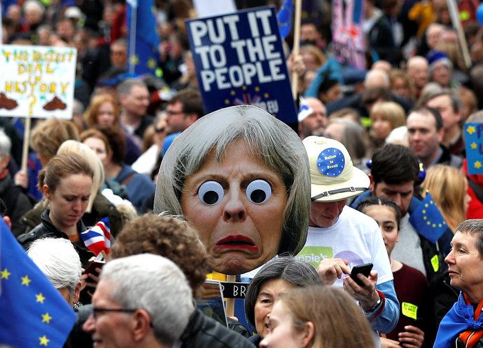 Λονδίνο:Εκατοντάδες χιλιάδες στο δρόμο ζητούν νέο δημοψήφισμα για το Brexit - εικόνα 7