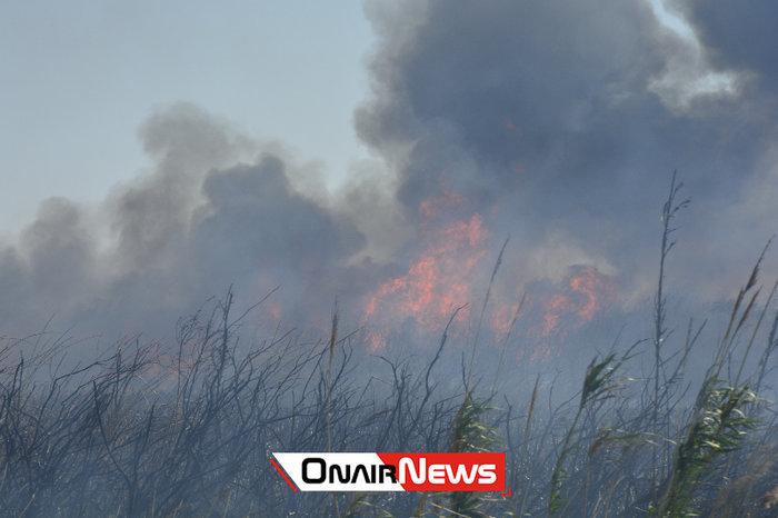 Μεγάλη φωτιά σε εξέλιξη στο Μεσολόγγι